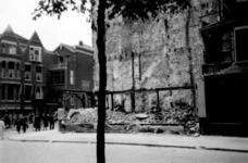 1998-969 Puinresten na het bombardement van 14 mei 1940. De Bergweg ter hoogte van de hoek van de Insulindestraat.
