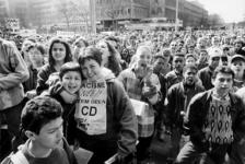 2000-1017 Scholierenprotest op de Coolsingel tegen de installatie van raadsleden van de extreem-rechtse partijen CD en CP'86.