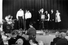 2000-1049 14 april 1998In de Pauluskerk aan de Mauritsweg wordt een open dag georganiseerd.
