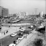 2000-43 Stationsplein en Weena gezien vanuit het westen. Op de achtergrond het Hofplein.