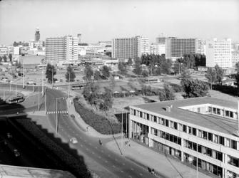 2000-52 Gezicht op het centrum van de stad vanuit westelijke richting. Op de voorgrond het Weena, in het midden het ...