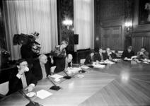 2000-668 8 april 1998De fractievoorzitters van VVD (J.C. van Duin), Groen Links (Herman Meijer), PvdA (Els Kuijper) en ...
