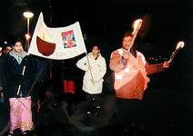 2000-787 6 november 1999Ter gelegenheid van het hindoestaanse Divali-feest wordt er een fakkeloptocht gehouden, die ...