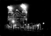 2000-799 Feestverlichting op het Prinsenhoofd tijdens de Koninkrijksfeesten, naar aanleiding van het feit dat Nederland ...