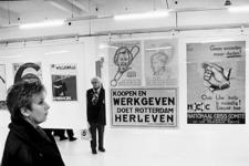 2000-804 16 januari 1999Ter gelegenheid van de opening van het nieuwe archiefgebouw aan de Hofdijk is aldaar de ...