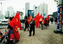 2000-814 30 juni 1999In Rotterdam woonachtige Koerden trekken langs het Hofplein naar de Coolsingel op te protesteren ...