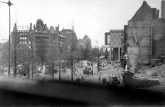2001-1326 Gezicht op de door het Duitse bombardement van 14 mei 1940 getroffen Coolsingel ter hoogte van de Passage, ...
