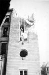 2001-1458 Gezicht op de door het Duitse bombardement van 14 mei 1940 getrofffen zijkant van het stadhuis. Als gevolg ...