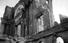 2001-1460 Gezicht op de door het Duitse bombardement van 14 mei 1940 getroffen Botersloot met een deel van het oude ...