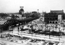 2001-1489 Gezicht op de door het Duitse bombardement van 14 mei 1940 getroffen omgeving van de Grotemarkt, het ...