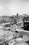 2001-1530 Gezicht op de door het Duitse bombardement van 14 mei 1940 getroffen Botersloot en de Meent vanaf de ...