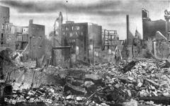 2001-1588 De restanten van gebouwen aan de Botersloot als gevolg van het Duitse bombardement van 14 mei 1940.