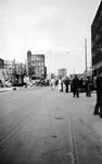 2001-1589 Gezicht in de door het Duitse bombardement van 14 mei 1940 getroffen Botersloot met gezicht op de Meent. Als ...