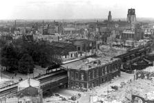 2001-1803 Overzicht vanaf het Witte Huis: op de door het Duitse bombardement van 14 mei 1940 getroffen omgeving bij het ...