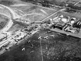 2001-1921 Vliegveld Waalhaven ten tijde van de vliegfeesten, het Internationaal Concours Aviatiek Rotterdam, ICAR, ter ...