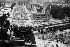 2001-1986 Gezicht op de door het Duitse bombardement van 14 mei 1940 getroffen omgeving van de Wijnstraat en Wijnhaven. ...