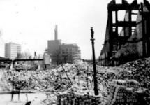 2001-1999 Verwoeste panden aan de Zwarte Paardenstraat/ hoek Boomgaarddwarsstraat, gezien in de richting van de ...