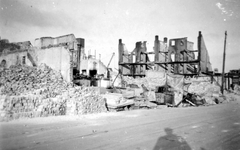 2001-2013 Puinresten na het bombardement van 14 mei 1940. De Botersloot bij de Heerenstraat.