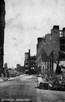 2001-2230 Gezicht in de door het Duitse bombardement van 14 mei 1940 getroffen Hoogstraat . De restanten van ...