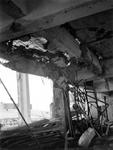 2003-70 Restanten van het Beursgebouw als gevolg van het Duitse bombardement van 14 mei 1940. Gezicht in het ...