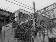 2003-72 Puinresten na het bombardement van 14 mei 1940. Gezicht in het Beursgebouw. Wapening van de vierendeelligger, ...