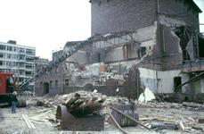 2003-905-701-TM-800 Stadsgezichten. Onderwerpen o.a.: Rotterdamse Schouwburg, bejaardentehuizen, renovatie, omgeving ...