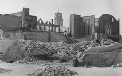 2004-332 Gezicht op de door het Duitse bombardement van 14 mei 1940 getroffen omgeving van de Pompenburgsingel en de ...