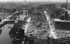 2004-340 Overzicht vanaf het Witte Huis: op de door het Duitse bombardement van 14 mei 1940 getroffen Wijnhaven en ...
