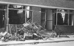 2004-348 Gezicht op de door het Duitse bombardement van 14 mei 1940 getroffen uitgebrande moderne woningen aan de ...