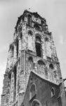 2004-354 Gezicht op de door het Duitse bombardement van 14 mei 1940 getroffen Sint-Laurenskerk. Als gevolg van dit ...