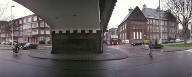 2004-493-15-TM-20 Reportage van de zogenaamde Hofpleinlijn en omge- ving tussen station Hofplein en het Noorderkanaal. ...