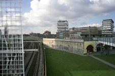 2004-493-28-TM-34 Reportage van de zogenaamde Hofpleinlijn en omge- ving tussen station Hofplein en het Noorderkanaal. ...