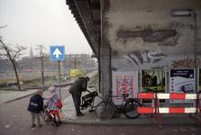 2004-493-77-TM-83 Reportage van de zogenaamde Hofpleinlijn en omge- ving tussen station Hofplein en het Noorderkanaal. ...
