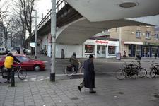 2004-493-8-TM-14 Reportage van de zogenaamde Hofpleinlijn en omge- ving tussen station Hofplein en het Noorderkanaal. ...