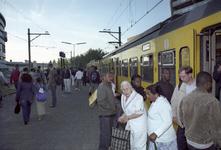 2004-493-98-TM-102 Reportage van de zogenaamde Hofpleinlijn en omge- ving tussen station Hofplein en het Noorderkanaal. ...
