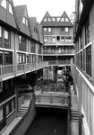 2004-5118-1-TM-2 Gezichten op de woningen op het vroegere Heliport terrein. Omgeven door Stroveer, en de Hofdijk, ...