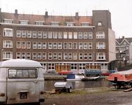 2004-5157 Gezicht op de Zwaanshalskade ter hoogte van het Zwatra-bedrijfsterrein.
