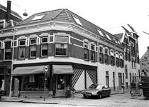 2004-5171 Gezicht op het Zwaanshals hoek Wolstraat.