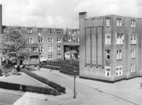 2004-5415 Justus van Effenblok aan de Justus van Effenstraat.