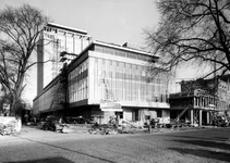 2004-5469 Gezicht op de Westerlaan hoek Westerkade met kantoorgebouw Van Ommeren.