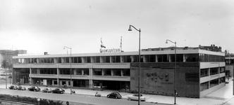 2004-5577 Weena met het Bouwcentrum.