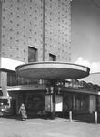 2004-5685 Slaak, hoofdingang van Het Vrije Volk.