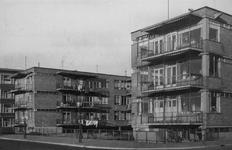 2004-5854 De Vroesenlaan met wooncomplex de Eendracht.