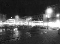 2004-5939 Het Beursplein met het warenhuis Hema.