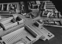 2004-7563 Diversen opnamen van maquettes van het Centrum in de periode van 1955 tot 1982 met ondermeer het ...