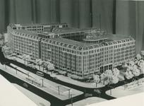 2004-7574 Maquettes van hGroothandelsgebouw en Stationsplein. Reeks van vijf opnamen, van boven naar beneden:-1: ...