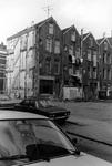 2005-10496-EN-10497 De wijk Crooswijk:Van boven naar beneden:-10.496: Slooppanden in de wijk Crooswijk.-10.497: Muur ...