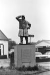 2005-10590-TM-10594 Monument de Redder voor de redders van drenkelingenVan boven naar beneden:-10590: Monument de ...