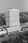 2005-11126 Overzicht van gedeelte van de Westzeedijk en omgeving, in het midden de Medische Faculteit gezien uit ...