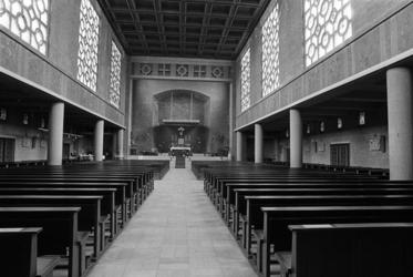 2005-11241-EN-11242 De Bosjeskerk:Van boven naar beneden:-11241: Het interieur van de Bosjeskerk.( 1954-1991).-11242: ...